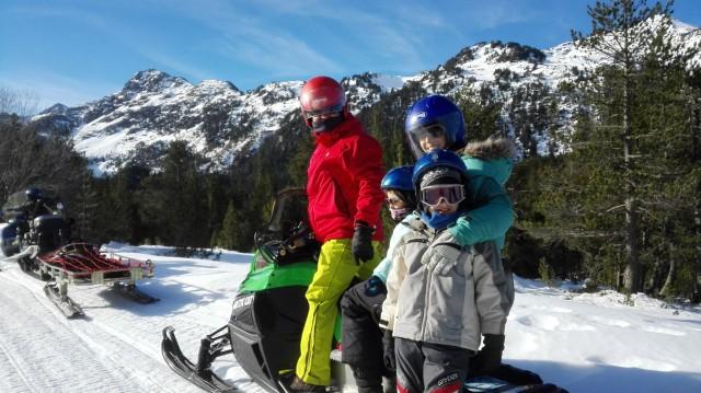 Un día de familia en la nieve
